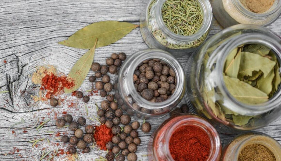 spices-2548653_640